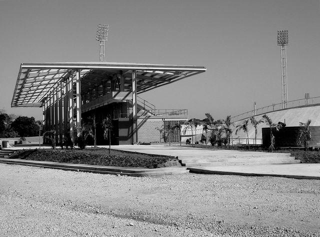 A muchas de las edificaciones deportivas de Cojedes 2003 las frustró la mezquindad política. Aquí el Velódromo de los hermanos Carlos y Lucas Pou, nunca terminado.