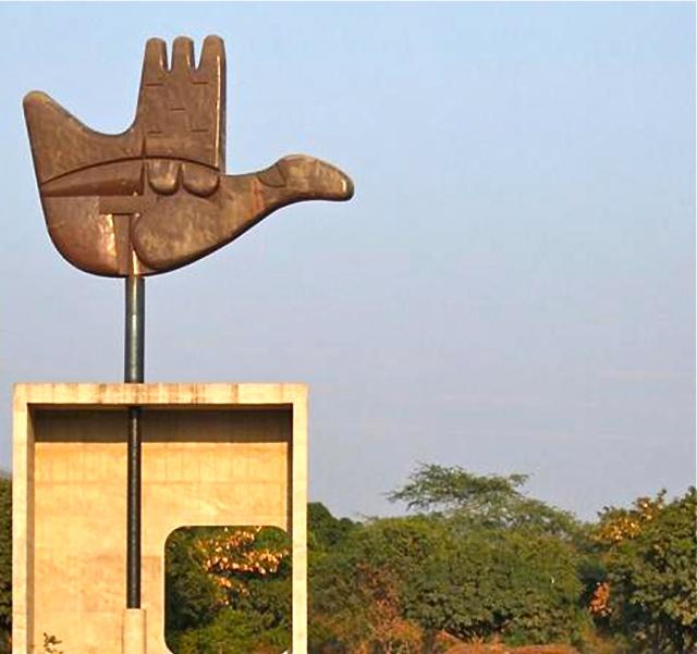 """""""Mano abierta para recibir...mano abierta para dar"""" Le Corbusier"""