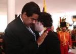 Dudamel calma su tristeza en el funeral por la muerte del Ausente, con unas lágrimas en el pecho de Maduro.