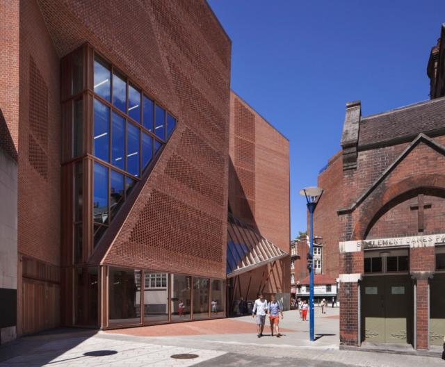 2. O'Donnel and Tuomey, Student Center de la London School of Economics -2014-15